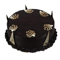 Eggless Cake Delivery in Delhi - Chocolate Truffle Cake From 5 Star
