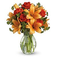 Best Flower Delivery in Delhi : Orange Lily Red Roses